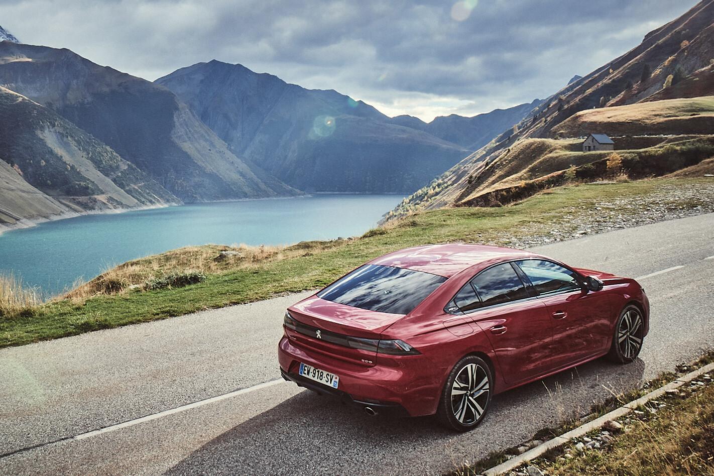 Peugeot 508 Lake Jpg