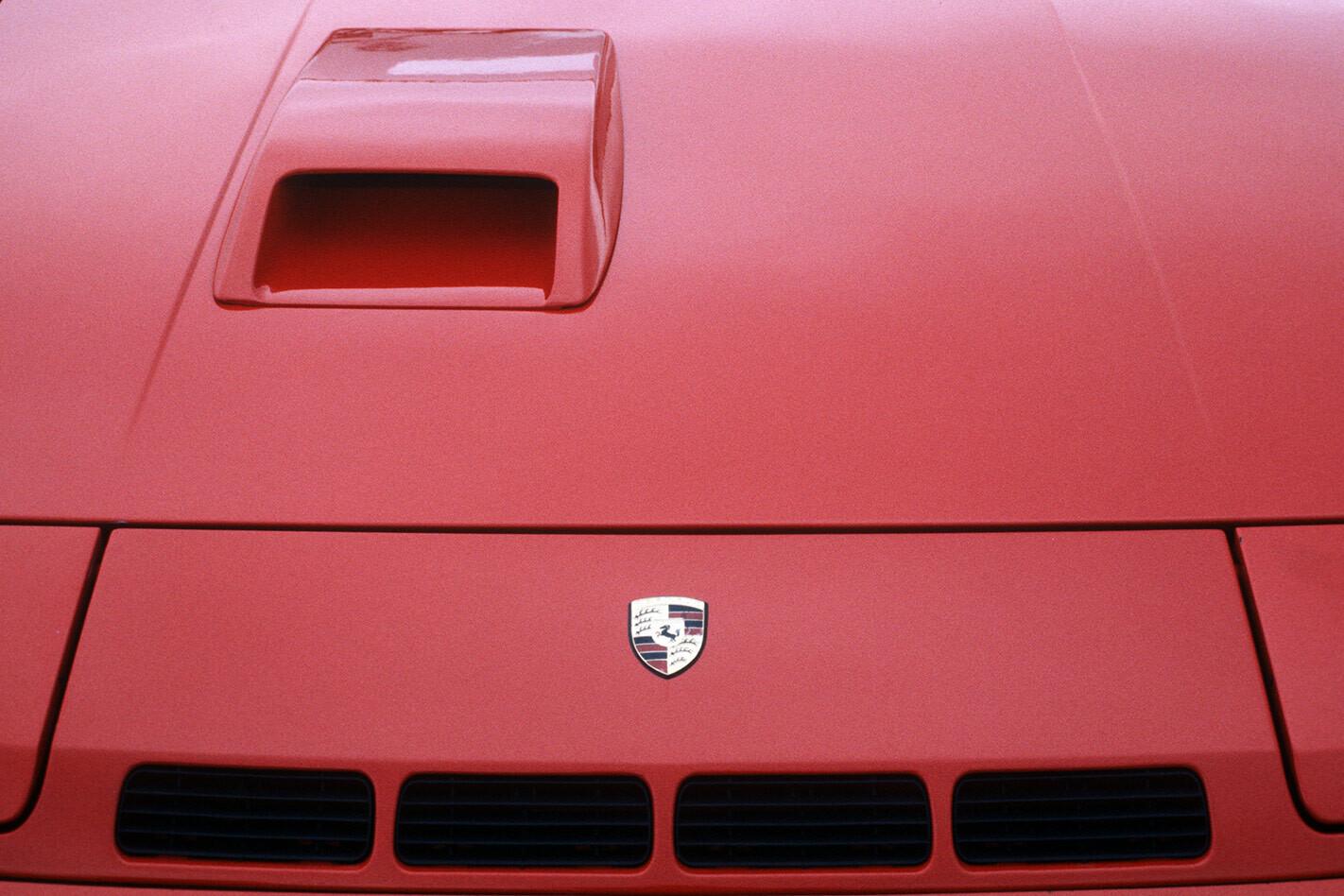 Porsche 924 Carrera GT bonnet