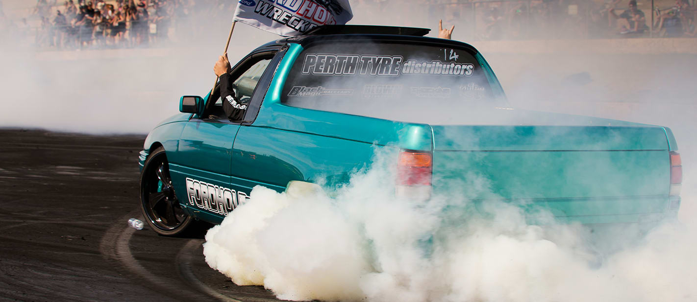 VN Commodore burnout