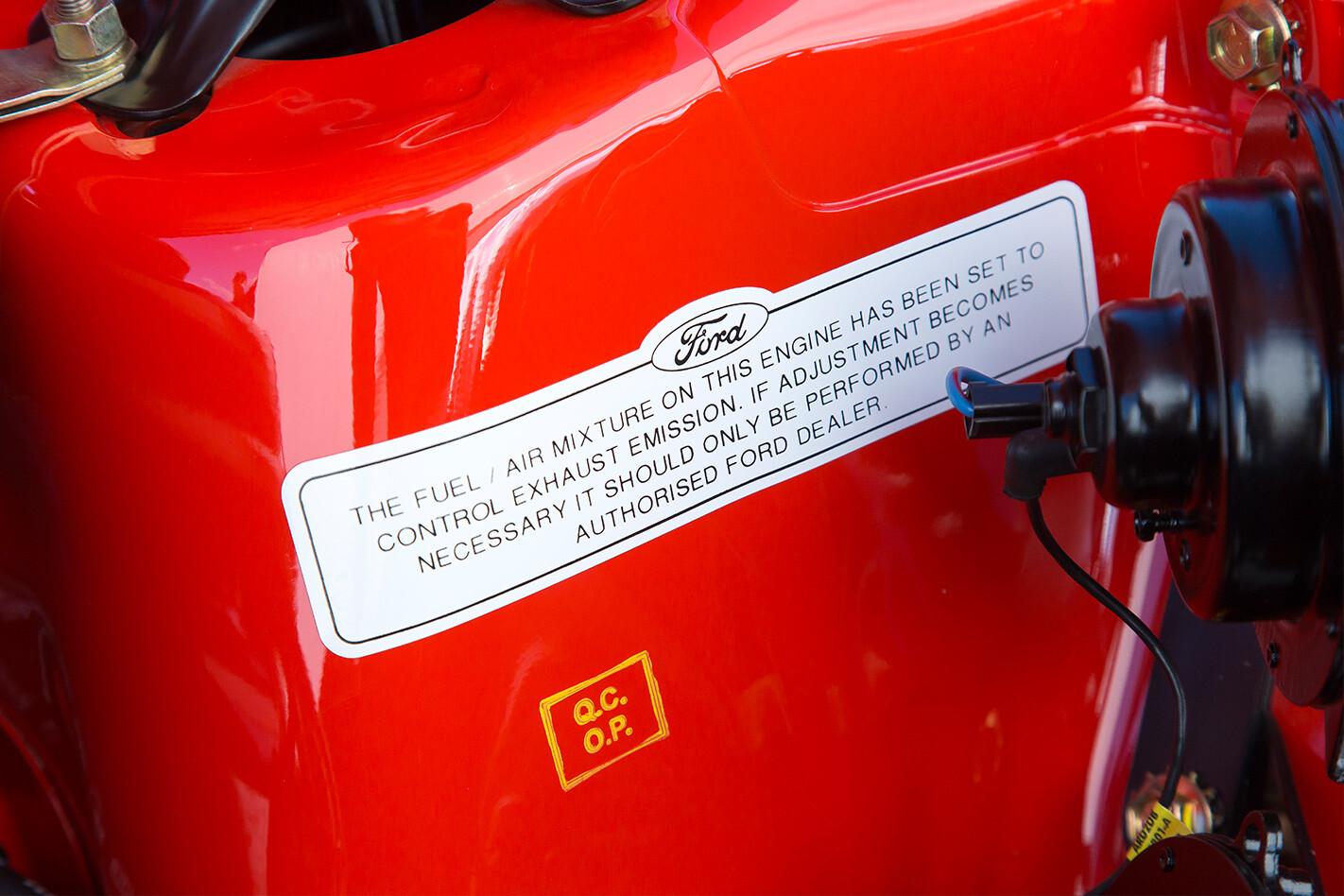Ford Falcon XB GT markings