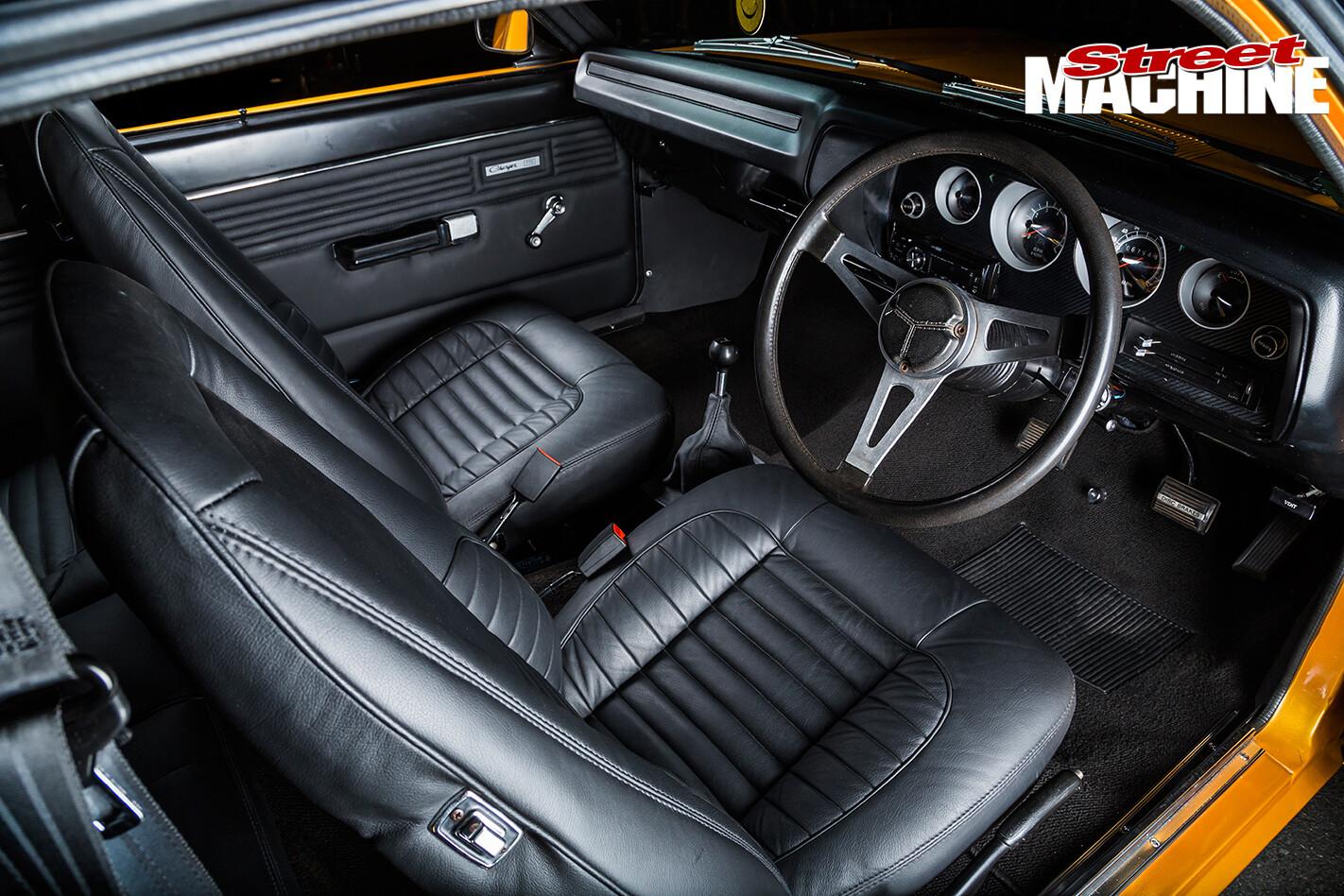 Chrysler -VJ-Charger -interior