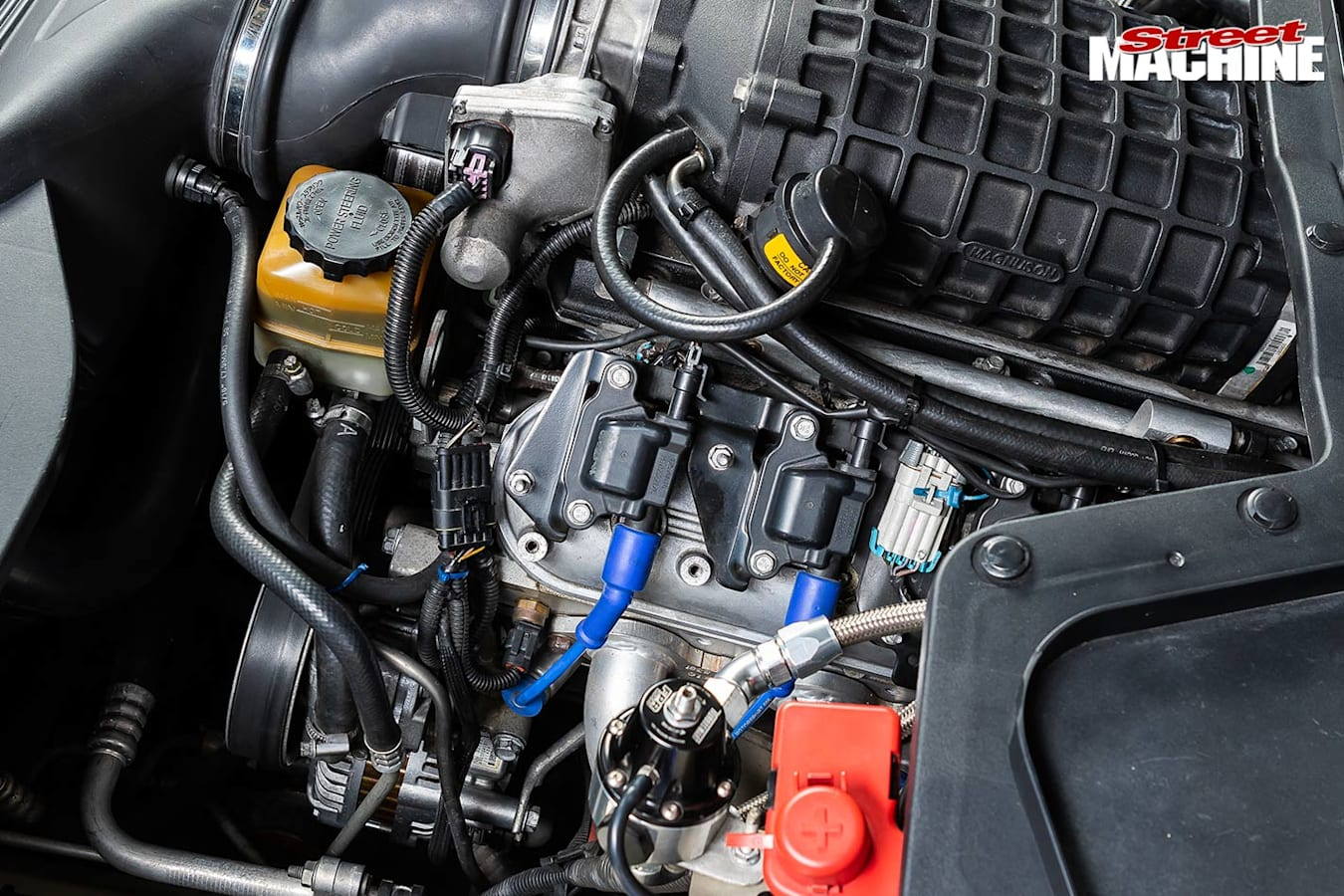 Holden VE Calais engine bay