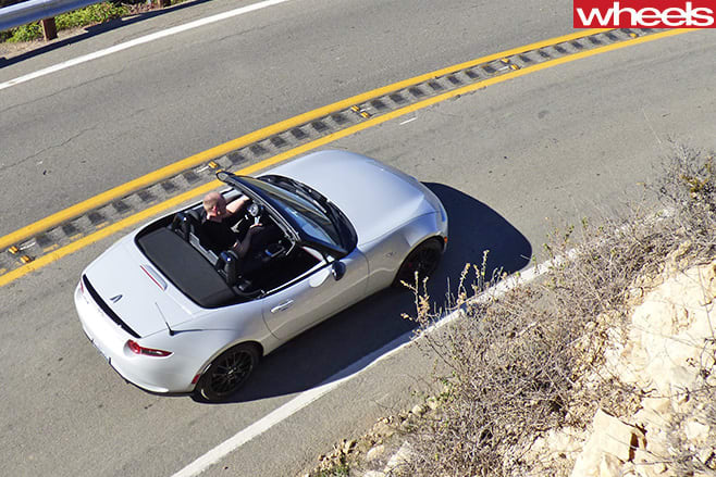 Damion -Smy -driving -Mazda -MX-5-Club -Edition -top -rear