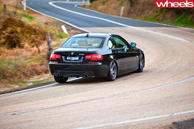 BMW-335i -cornering