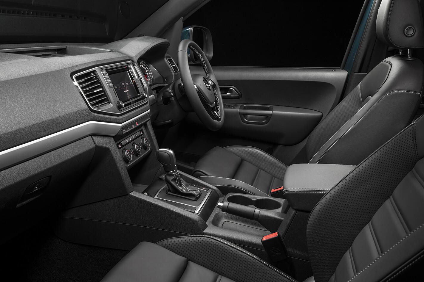 2019 VW Amarok 580 Interior Frontseats Jpg