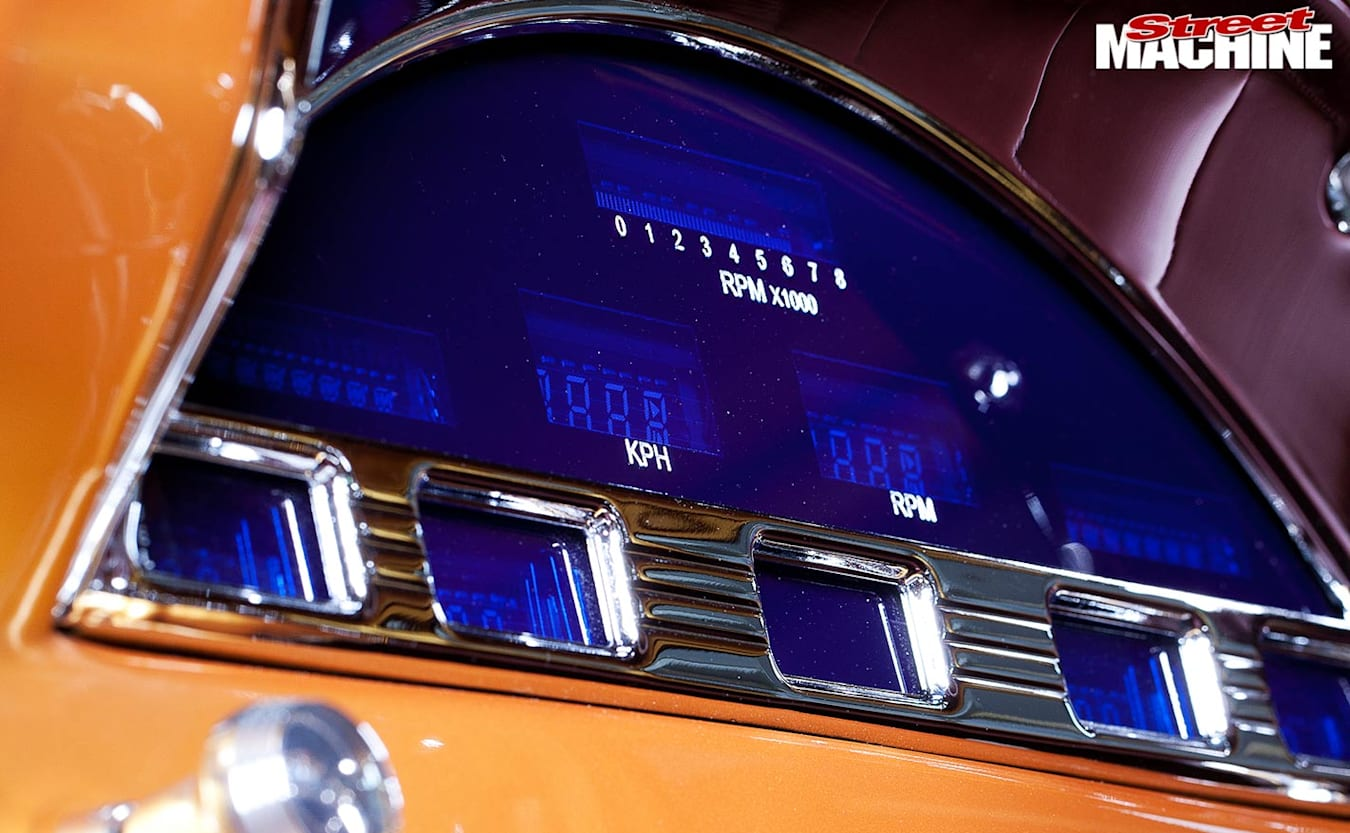 Ford F100 pick-up dash