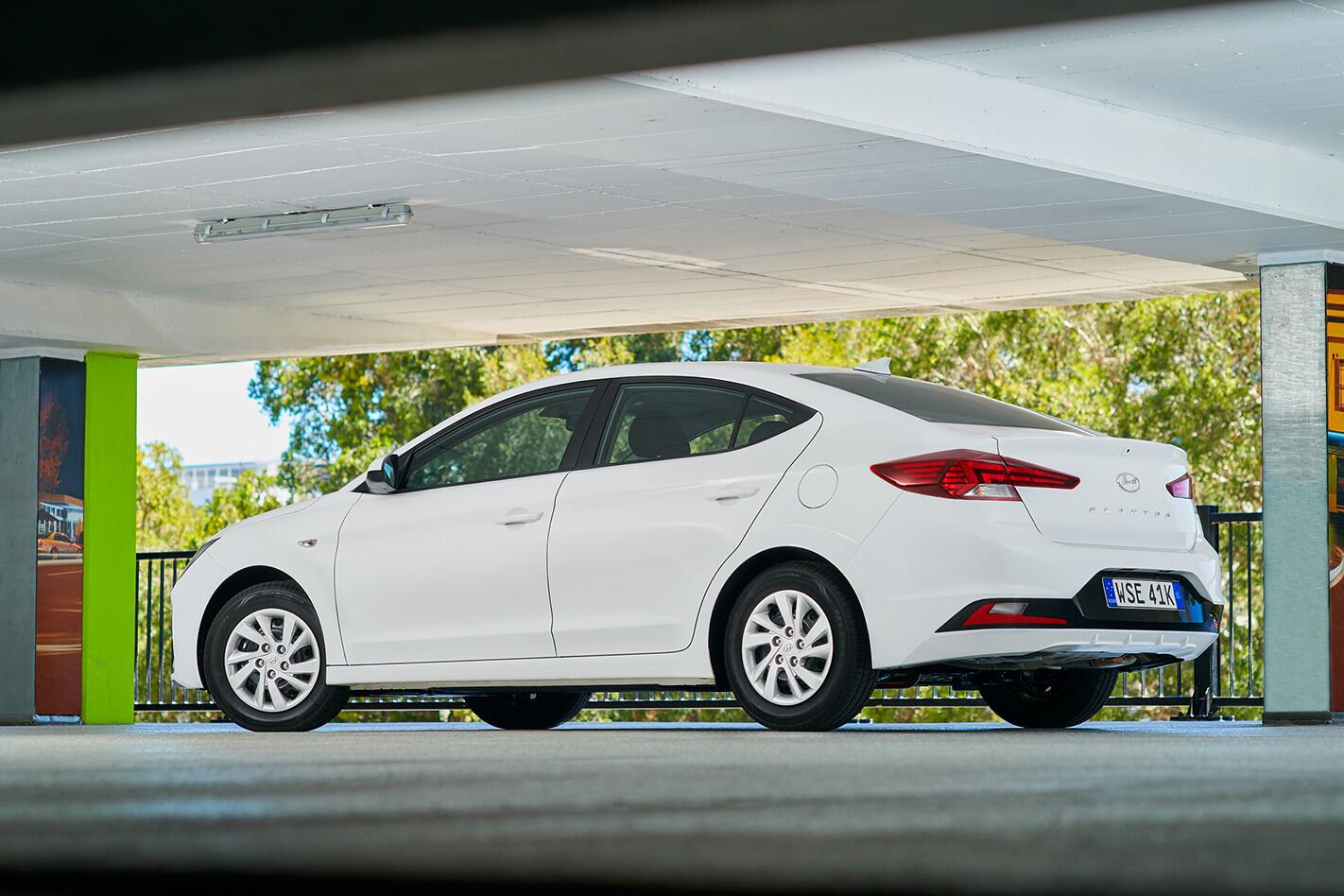 2019 Hyundai Elantra Go Rear Side Static Jpg