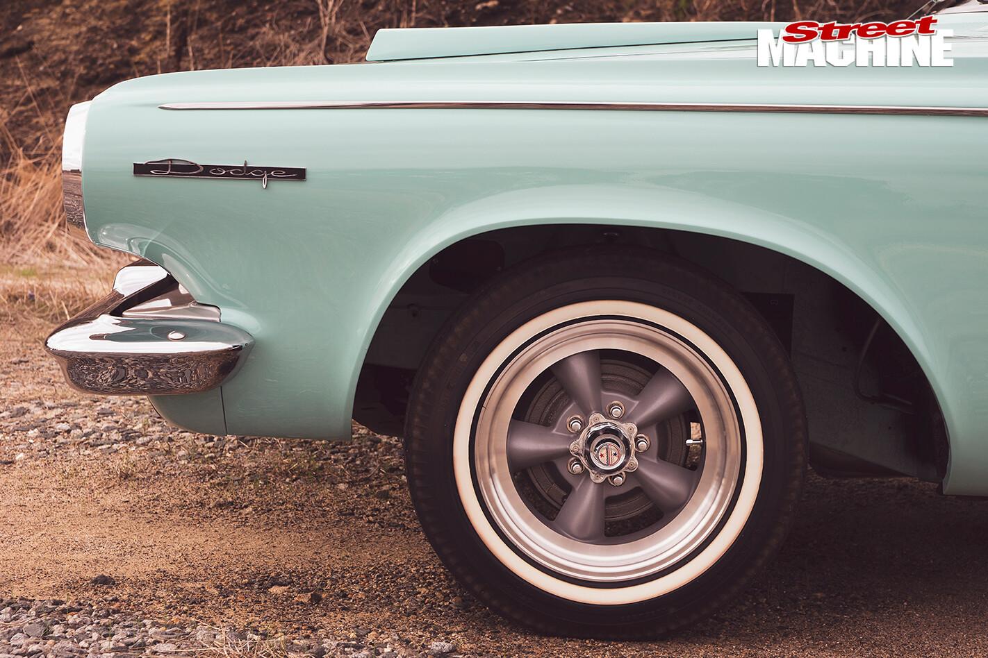 Dodge -Polara -330-bumper