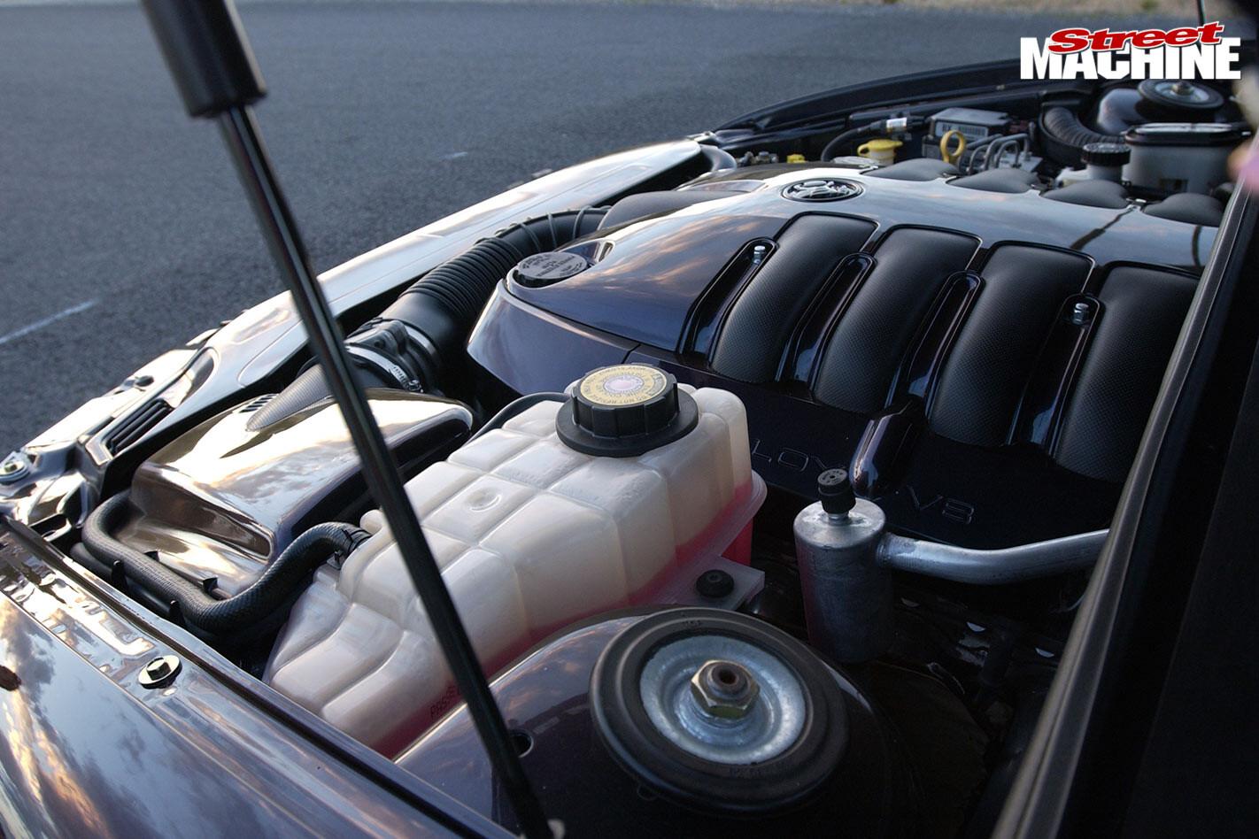 Holden VU ute engine bay