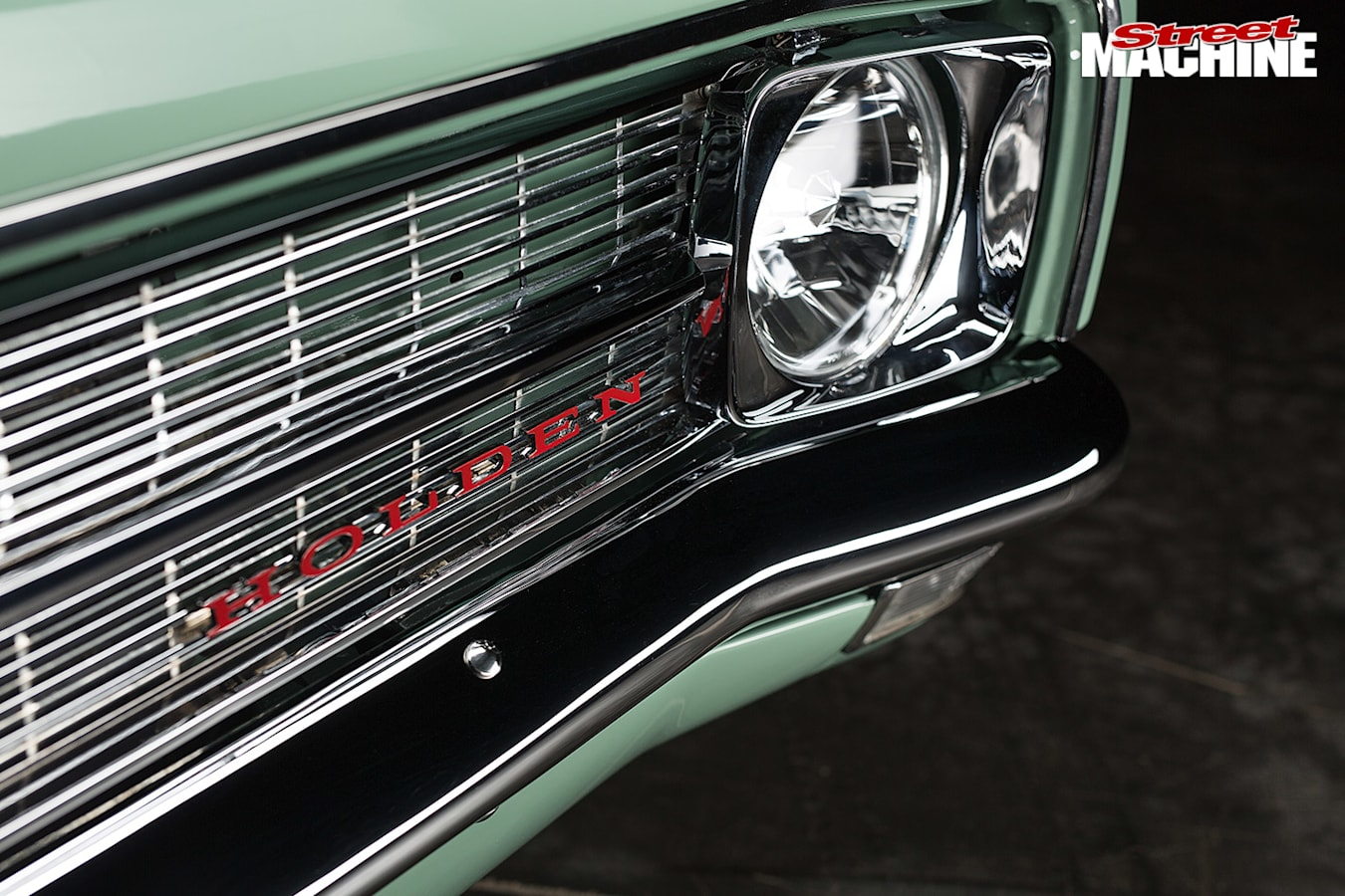 Holden HK wagon grille