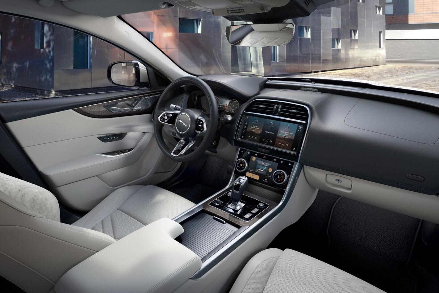 2021 Jaguar XE P300 R-Dynamic