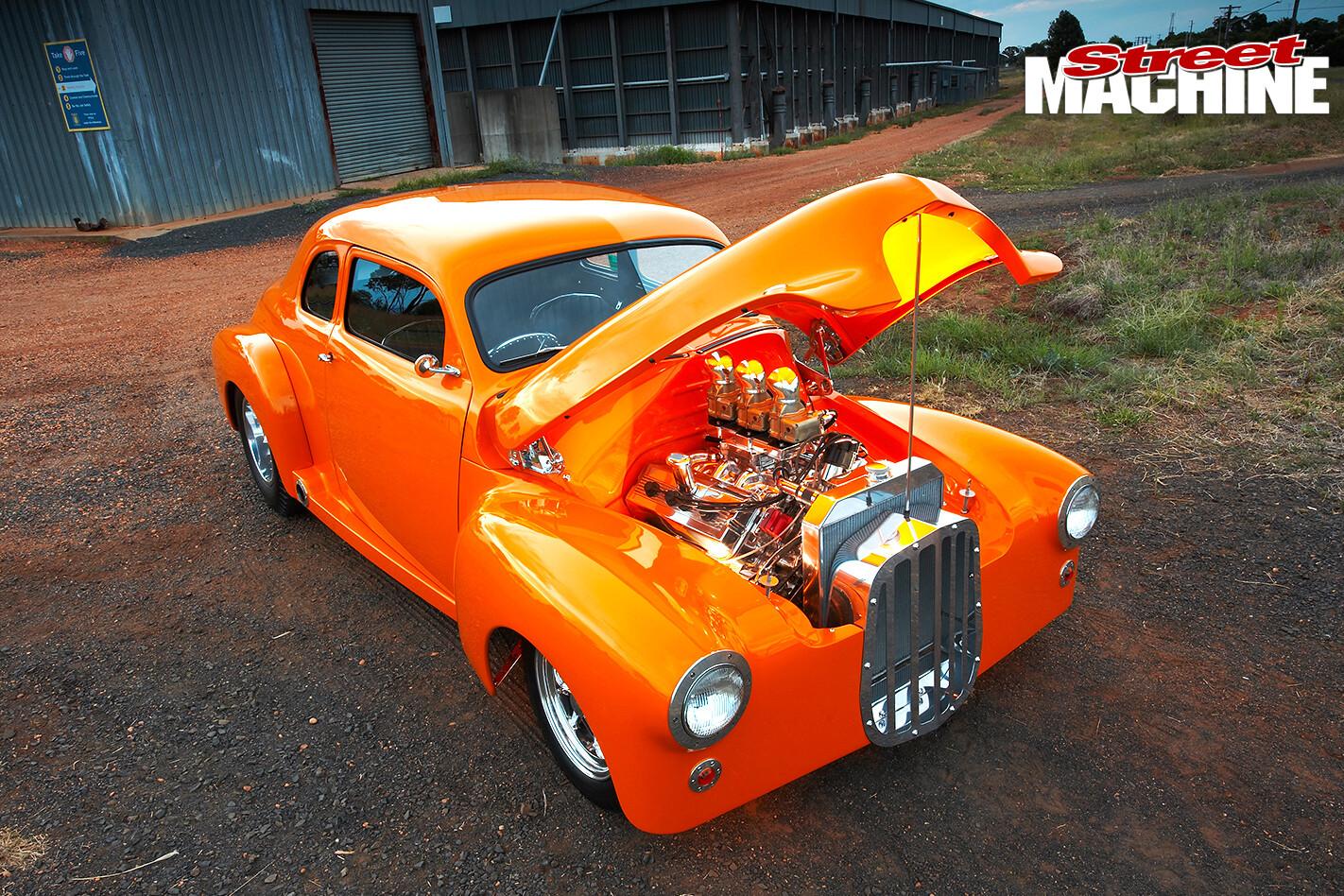 Holden -FJ_107-bonnetup