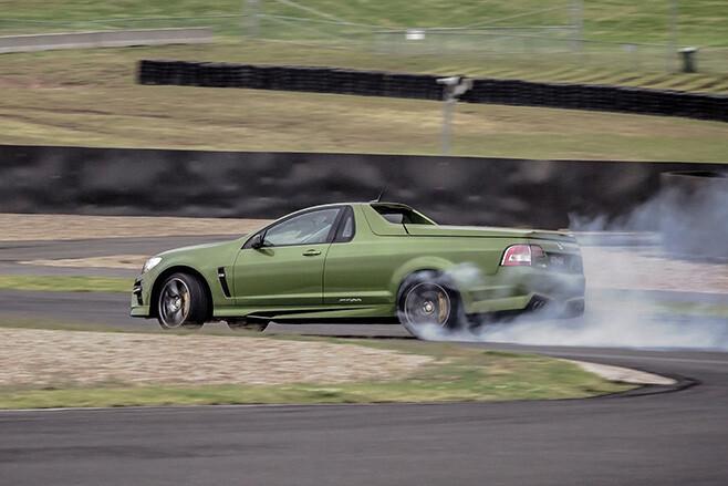 Chris -Harris -with -HSV-Maloo -tyre -smoking