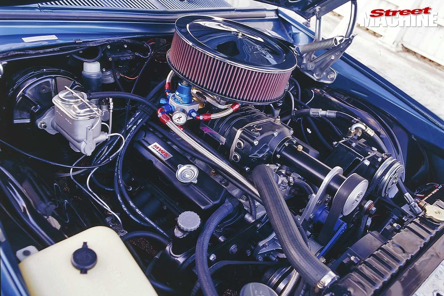 Holden HZ Sandman engine bay