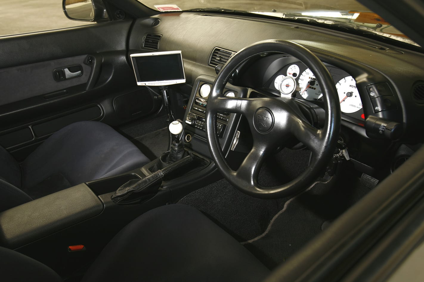 Nissan Skyline R32 GT-R interior