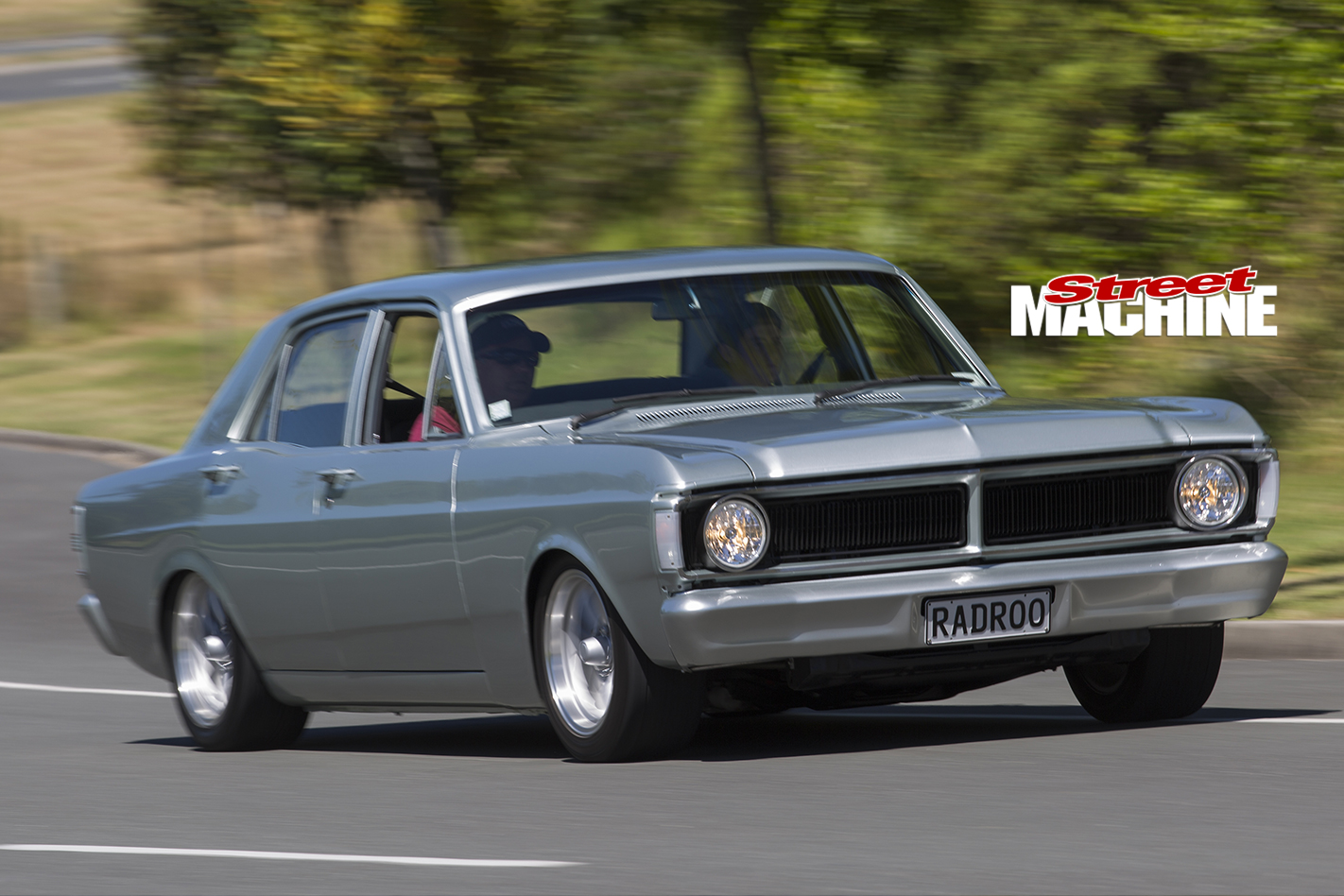Ford -XY-Falcon -onroad -front