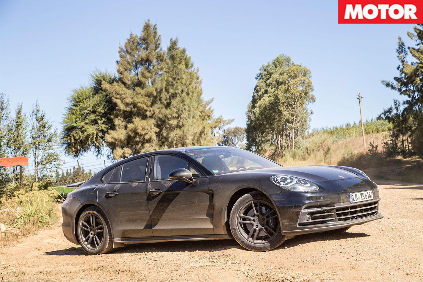 2017-Porsche -Panamera -static