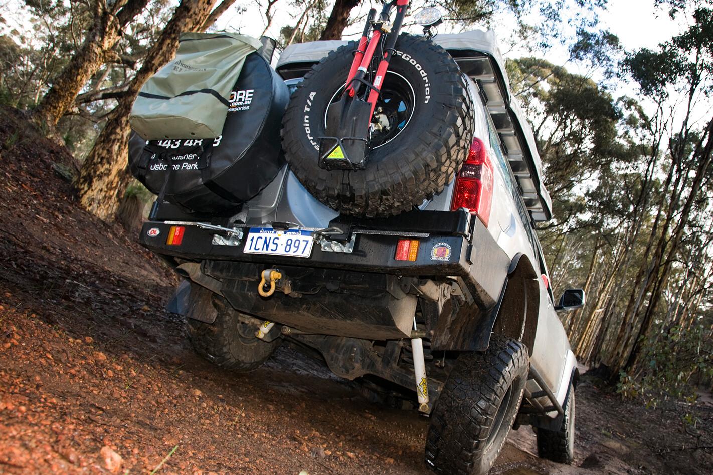 2005-Nissan-Patrol-GU-rear