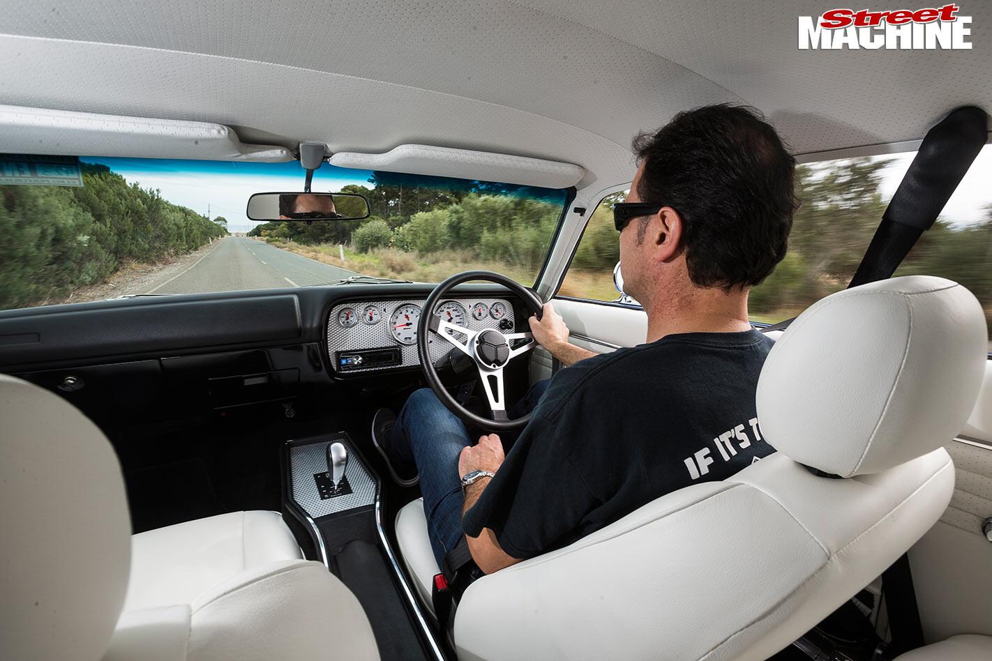 Chrysler Valiant VJ Regal onroad