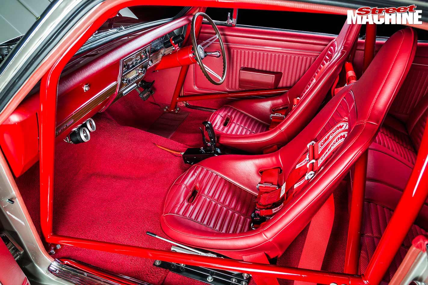 Holden HK Monaro GTS interior
