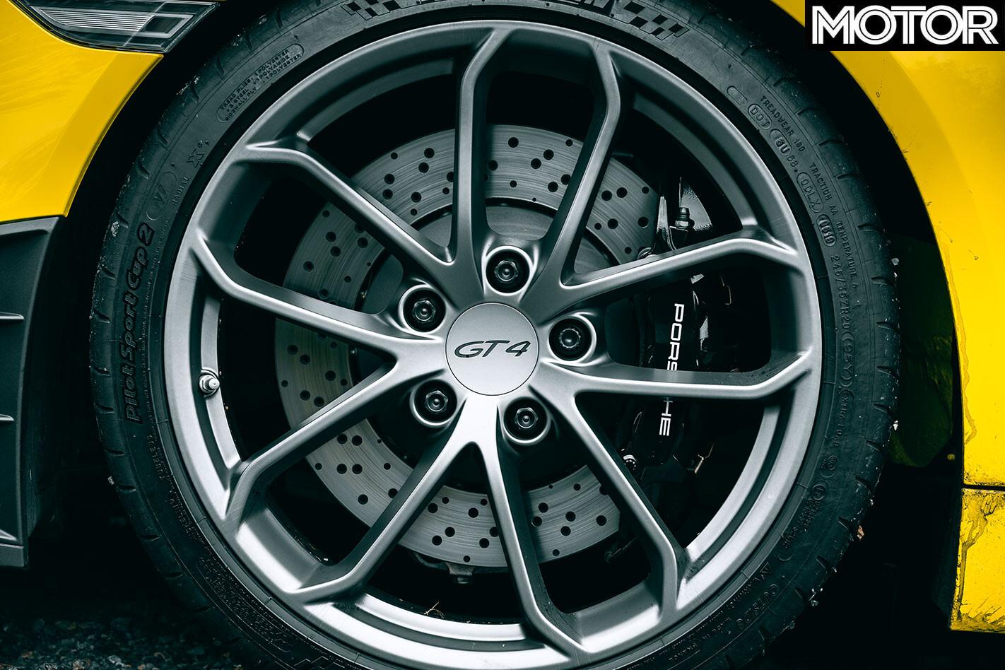 2020 Porsche Cayman GT4 wheel