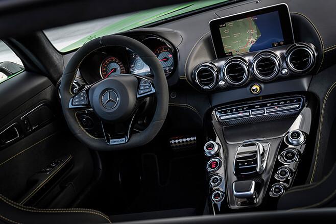 2017 Mercedes-AMG GT R