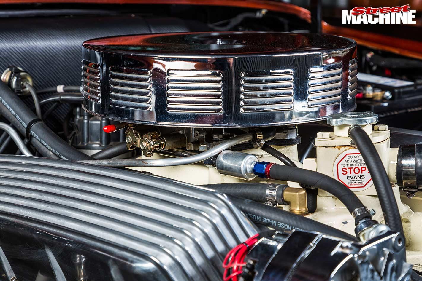 Jaguar Mark 10 engine bay