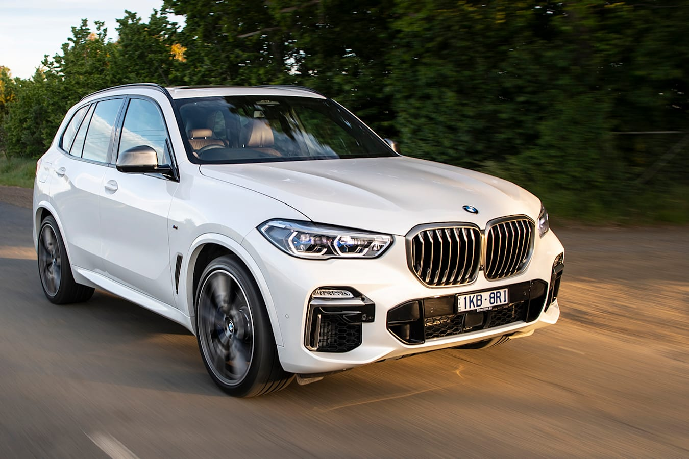 2019 Bmw X 5 Front Side Action Jpg