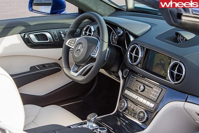 Mercedes -SL500-interior