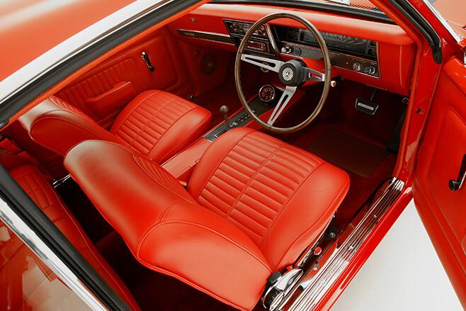 Holden HK Monaro interior