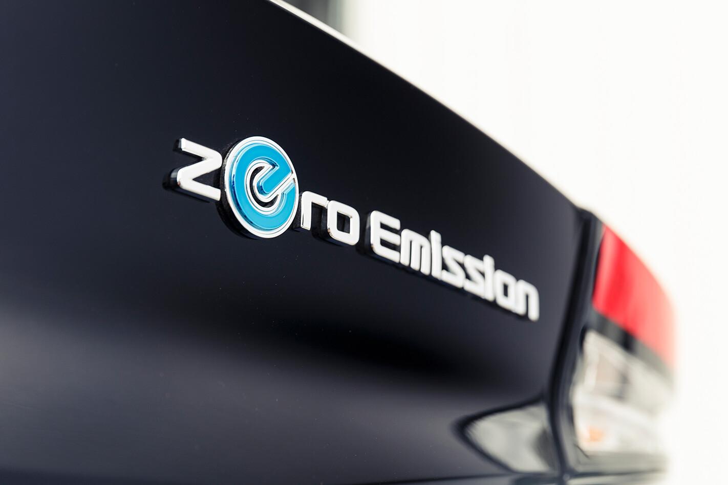 Nissan Leaf Badge Jpg