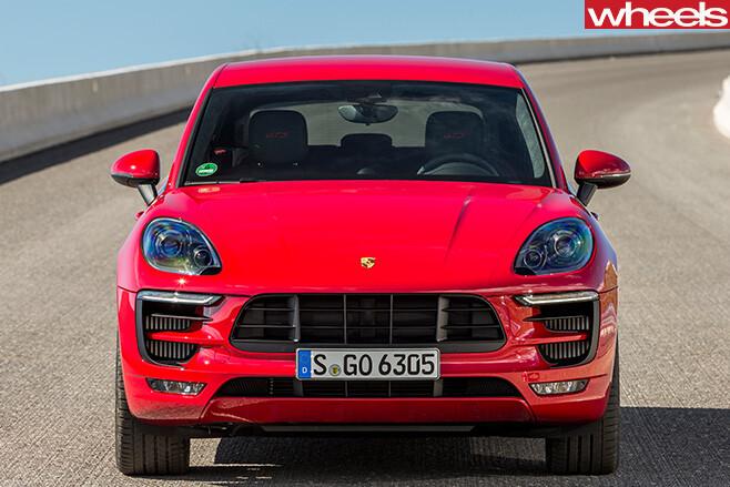 Porsche -Macan -driving -fascia
