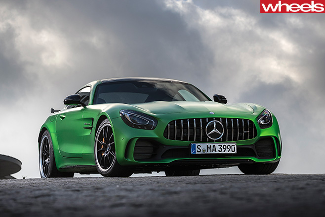 2016-Mercedes -AMG-GT-R-driving -front -parked