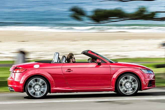 Audi TT Side Driving