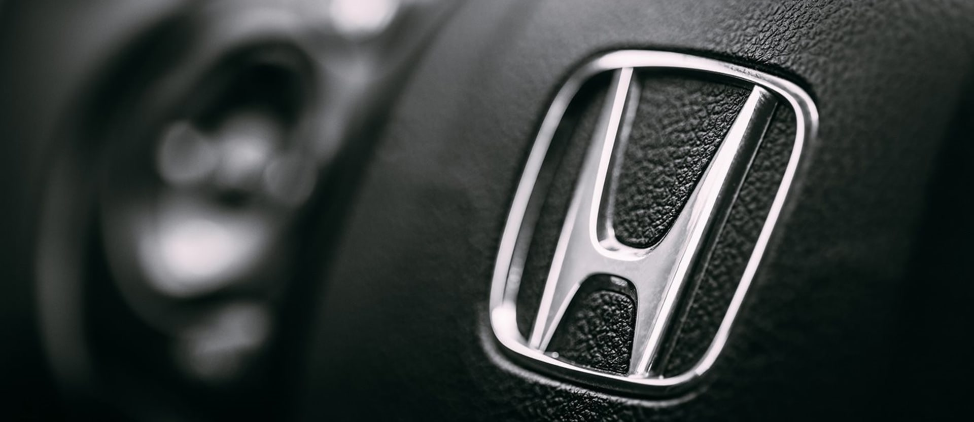 Honda says it sent five letters to owner linked to Takata airbag death_main