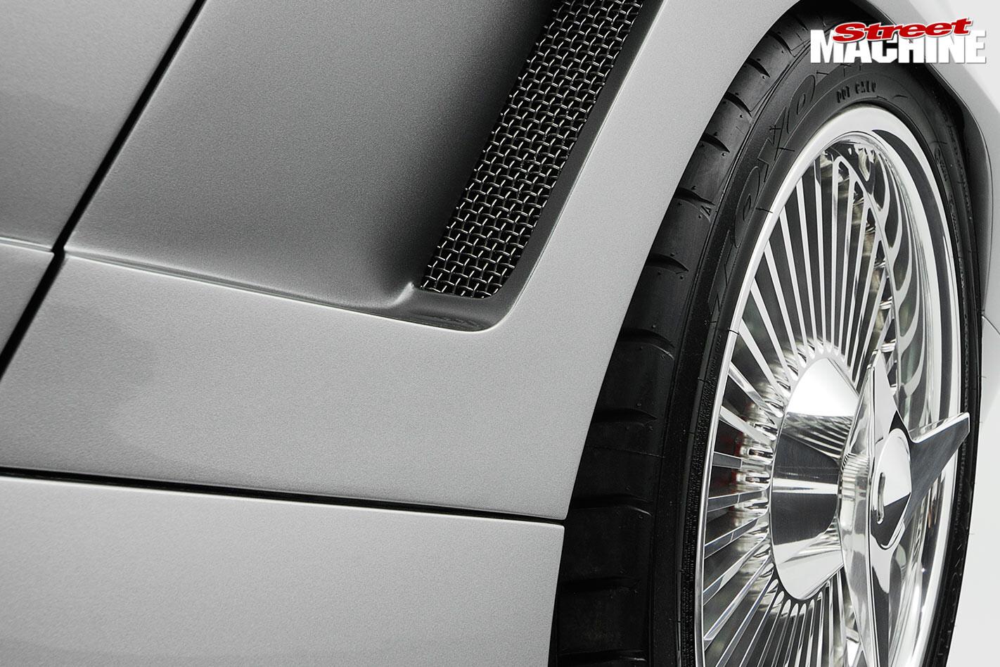 restomod corvette wheel