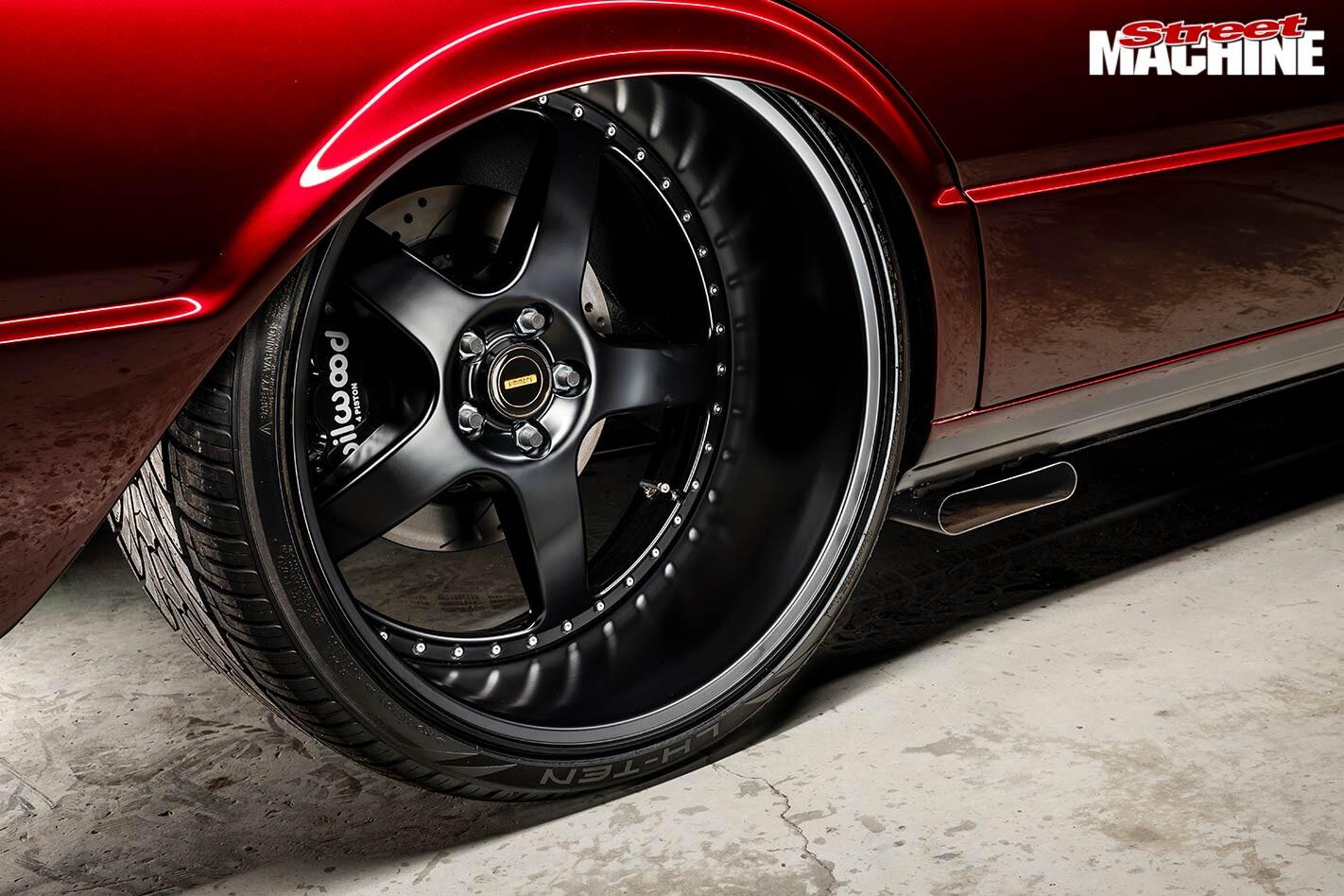 Ford XE Falcon wheel