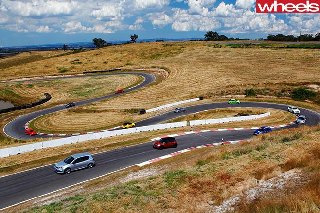 Hot -hatches -driving -around -track