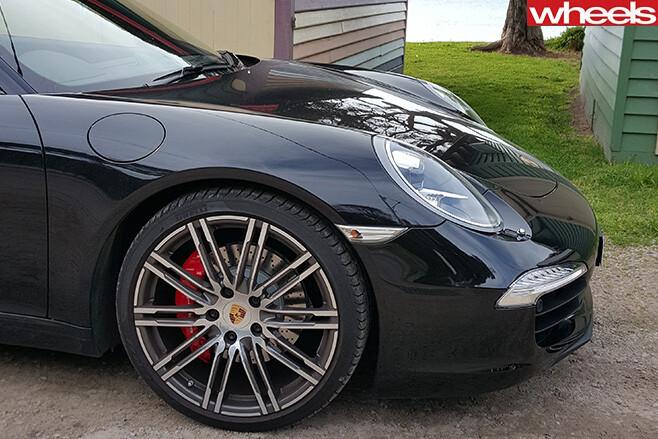 Porsche -911-Carerra -S-front -side