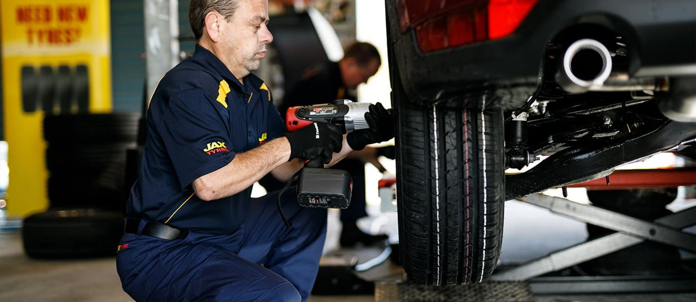 Whichcar Tyre Test Fitting Jpg