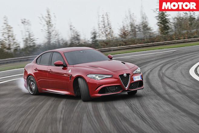 2016-Alfa Romeo Giulia drifting