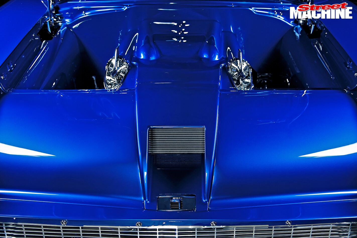 Chevrolet -Bel -Air -engine -bay