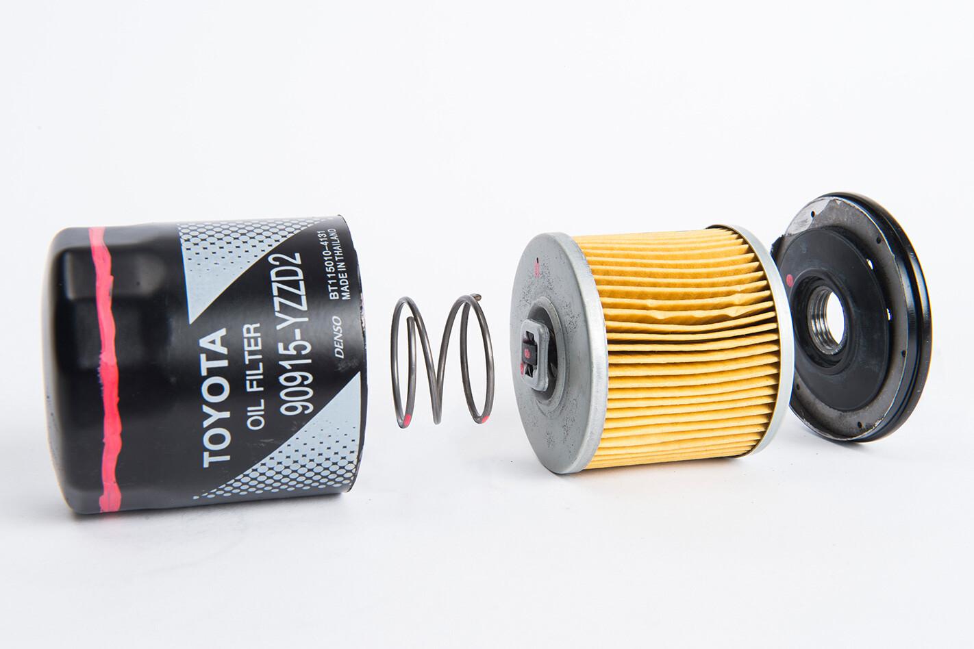 Counterfeit-Toyota-oil-filter-inside.jpg