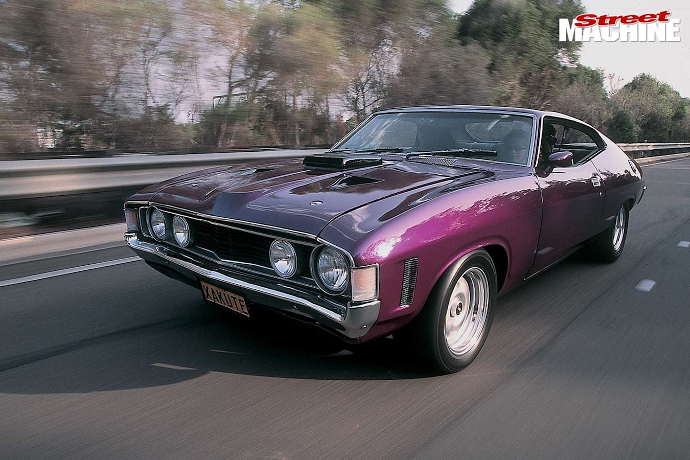 Ford Falcon XA coupe onroad