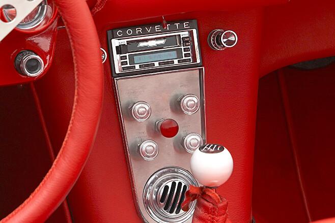 Chev Corvette console