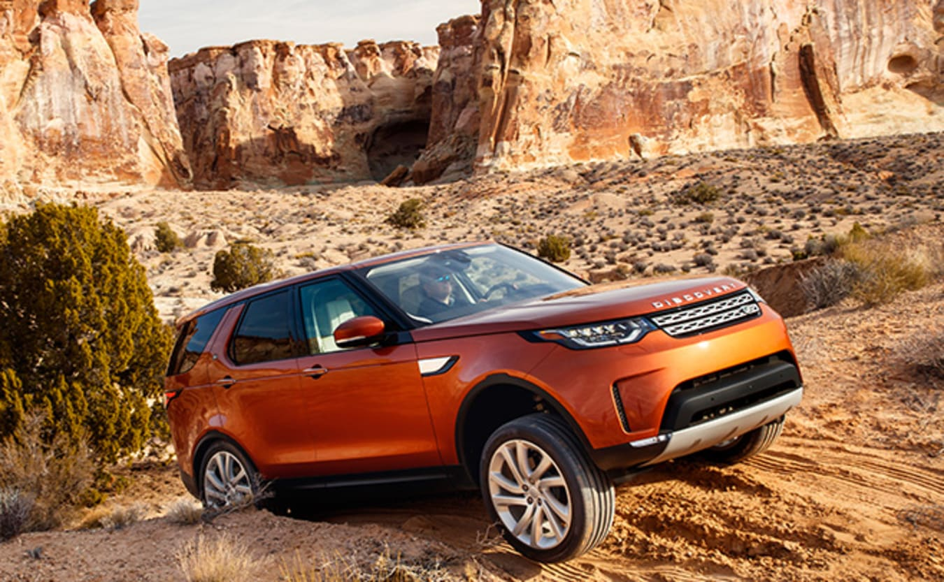 Land Rover Discovery offroad driving