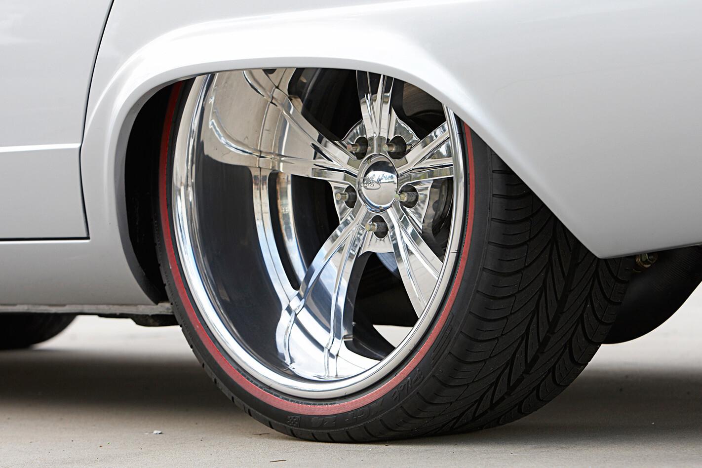 Chrysler VC Valiant wheel