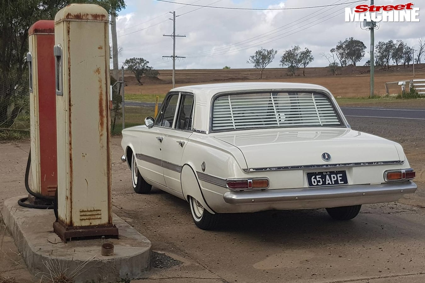 Valiant AP6 Regal rear