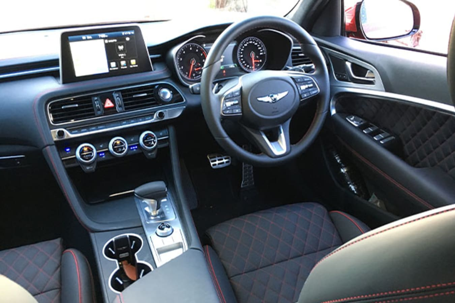 Genesis G70 interior