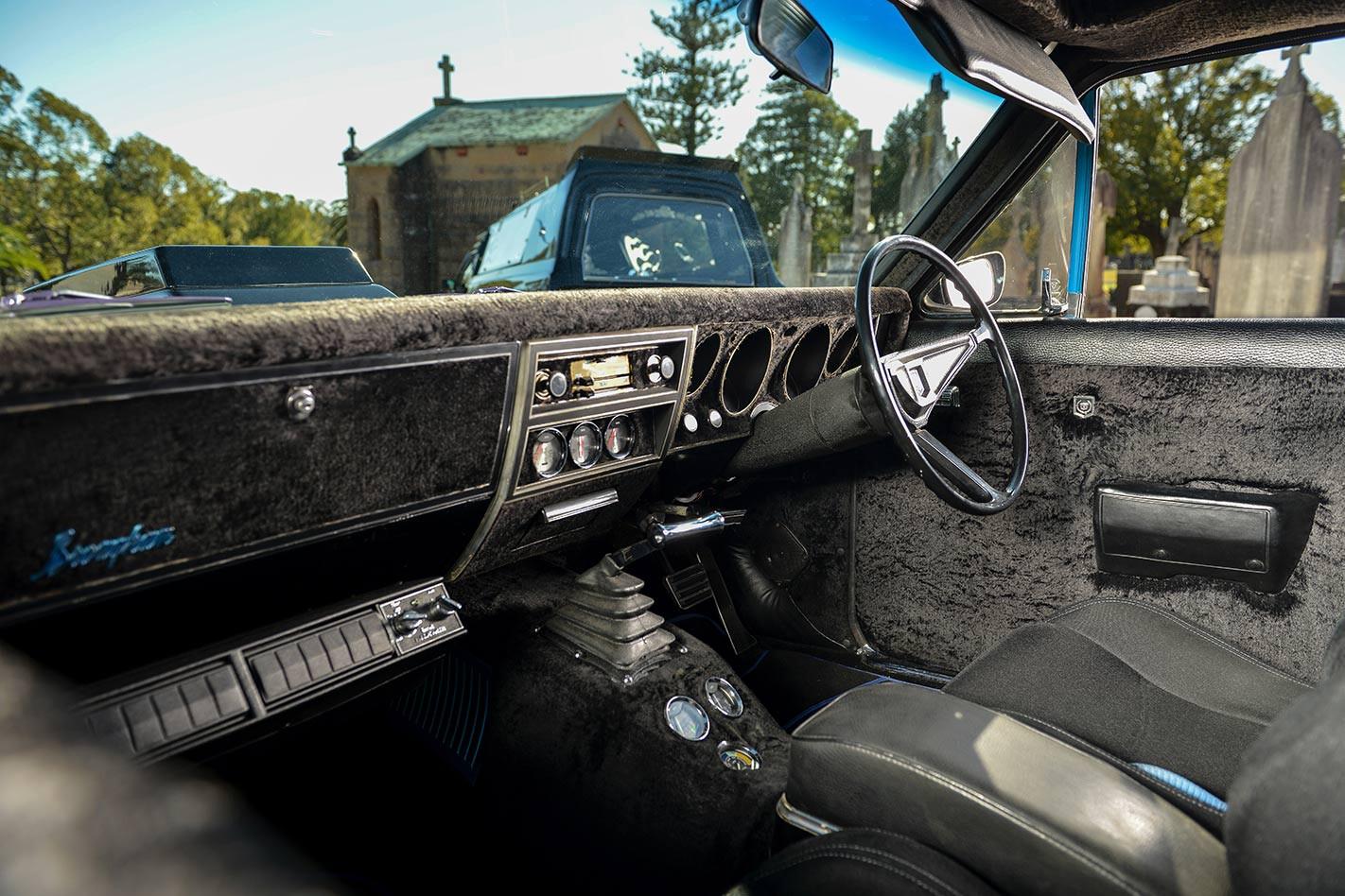 Holden HK Brougham interior